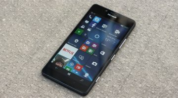 Lumia 950 Smartphone Review - Superb Display and Shooters, but Poor Battery Performance